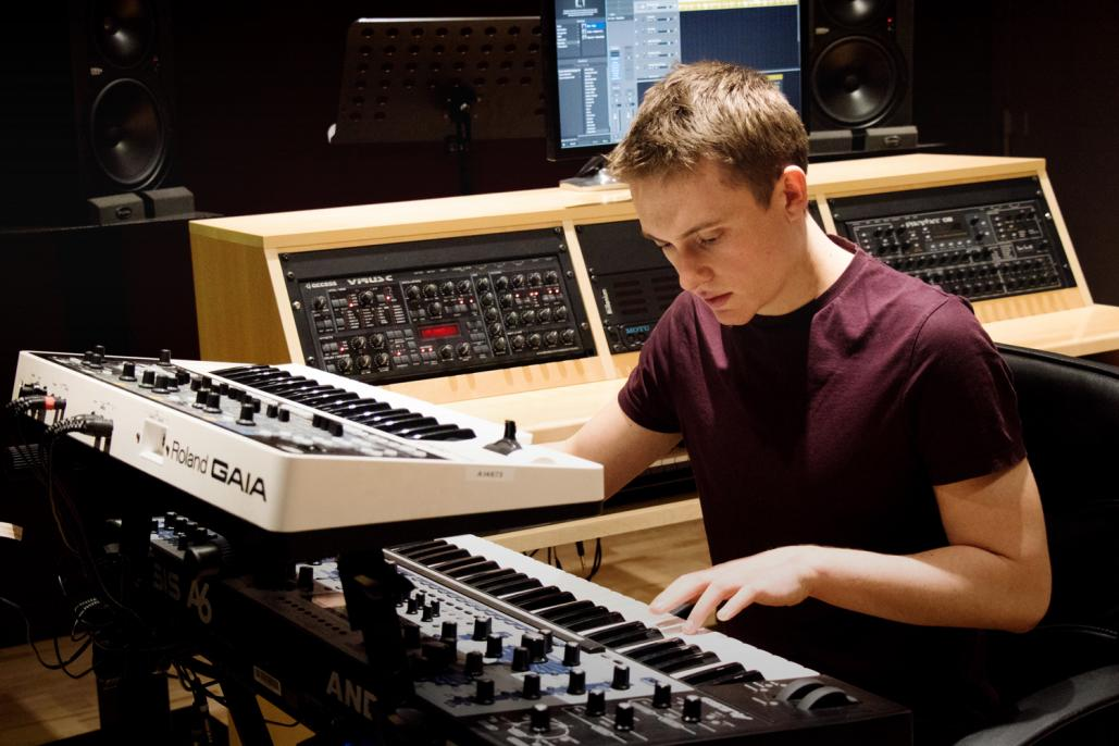 Electronic Music Production Short Course Sae Institute Uk